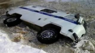 Вести-Хабаровск. УАЗ ушел под воду(, 2017-02-27T05:40:20.000Z)