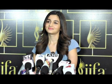Alia Bhatt Interview At IIFA Awards 2017