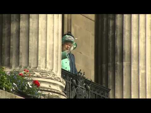 Duchess of Cambridge sings God Save the Queen during royal Nottingham visit