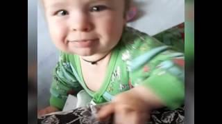 Мама учит говорить слово 'мама' :D Как разговаривает малыш