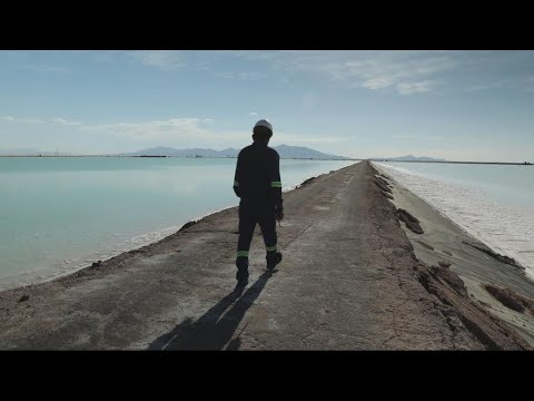 Lithium, the white gold of Bolivia's salt desert