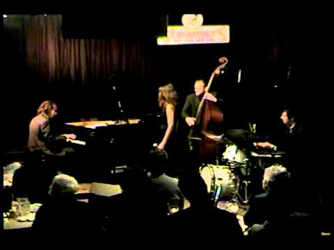 """Carolyn Leonhart - Live @ Steamers Jazz Club -""""I'm in the mood for love"""" 4/2004"""
