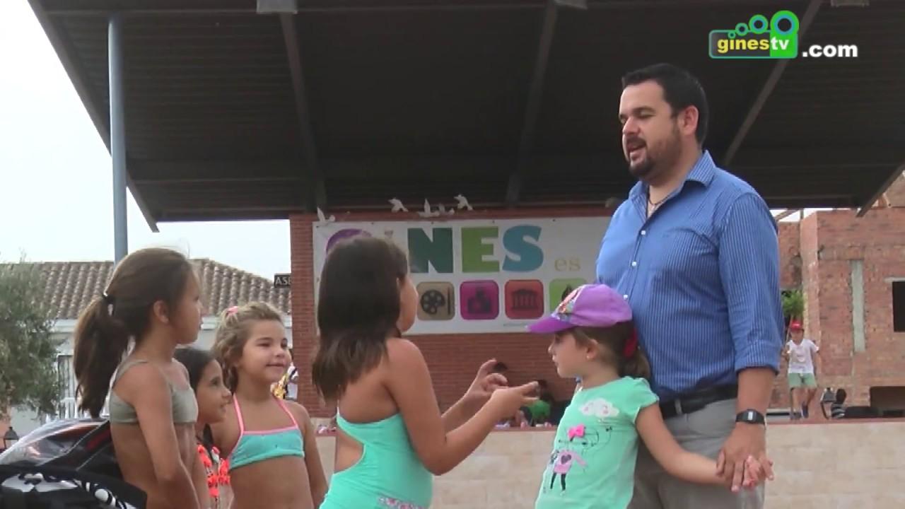 Los niños y niñas del 'Campus Sun Gines' disfrutan de las instalaciones del Parque Municipal