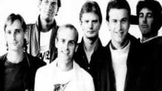 """Australian Crawl - """"Unpublished Critics"""" [1981 track with lyrics]"""