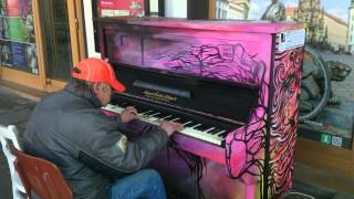 man who lives on street plays piano beautifully