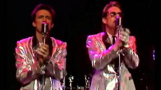 http://hueylewisandthenews.com/ - Huey Lewis & The News - Mama Said...
