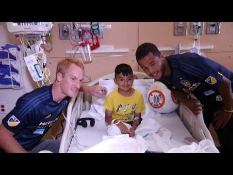 Best of Backstage: Dos Santos, Larentowicz and Steres visit CHLA