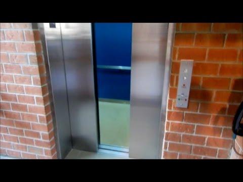 NICE OLD MONTENAY HYDRAULIC ELEVATOR