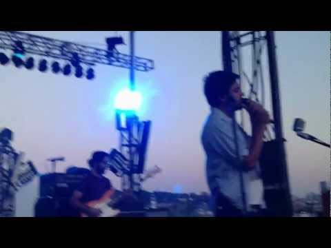 """Young The Giant - """"Islands"""" (Live) [Microsoft Intern Secret Show]"""