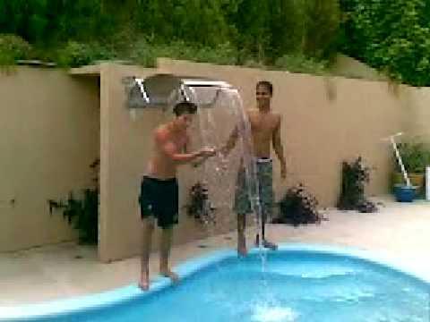 Cachoeira na piscina youtube for Piscinas semienterradas