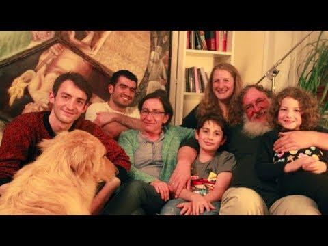 German Jewish Family Hosts A Syrian Muslim Refugee