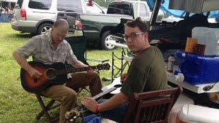 Steve Austin (f) & Hunter Holmes - Sunny home in Dixie – Clifftop 2015
