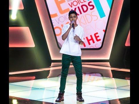Marcos Tybel canta 'Você não me conhece' no The Voice Kids
