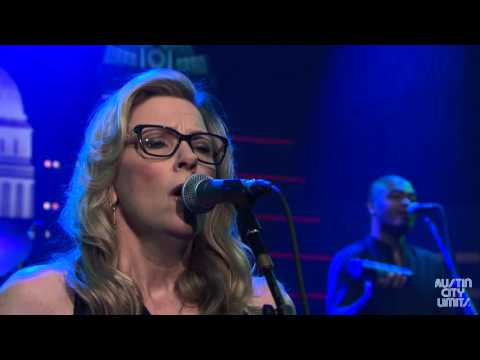 Austin City Limits Web Exclusive: Tedeschi Trucks Band Laugh About It