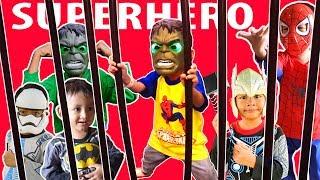 Aksi Seru Pakai Topeng Superhero Bisa Menyala Di Playground|Superhero Hulk Spiderman Kapten Amerika