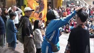 加納真実さん、仮面舞踏会・三茶de大道芸・2019年10月19日。