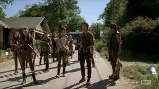 The Walking Dead 5x12 Daryl Dixon catches dinner