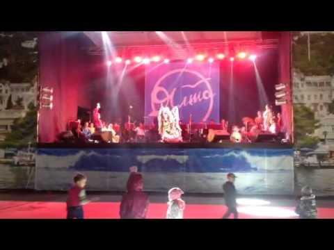 kontsert-na-naberezhnoy-v-yalte-video