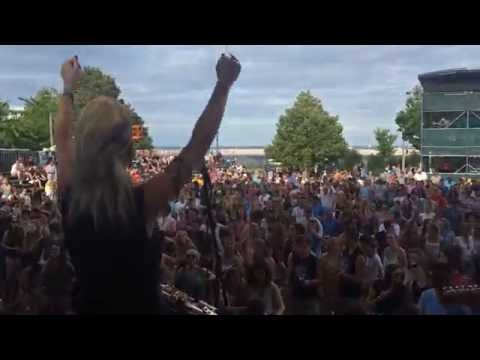 Mindi Abair & The Boneshakers Rock Summerfest 2016