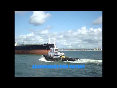 Rebocador Onix indo para atracação do M/T VEGA