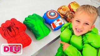 Vlad und Nikita verkleiden sich als Superhelden und helfen ihrer Mama