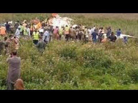 Download SUIVEZ CRASH A KAVUMU AU SUD KIVU ET LA MOQUERIE DES SENATEURS AU PEUPLE CONGOLAIS