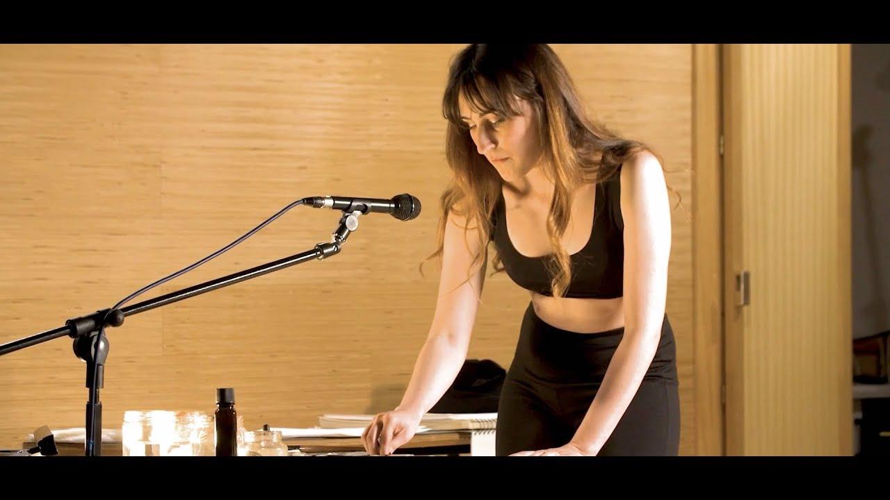Sine Die   Pintura en vivo y música electrónica   Celia Izquierdo y Celia López Bacete