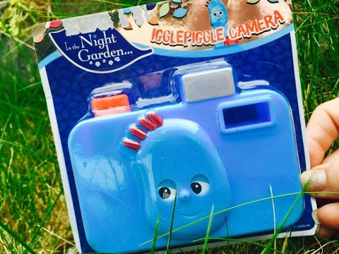IGGLE PIGGLE Toy Camera and IN THE NIGHT GARDEN Magazine