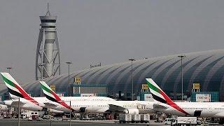 تحطم طائرة لشركة طيران الامارات في مطار دبي