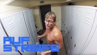 Versteckte Kamera! In der Umkleide gefilmt und ins Internet gestellt! | Auf Streife | SAT.1 TV