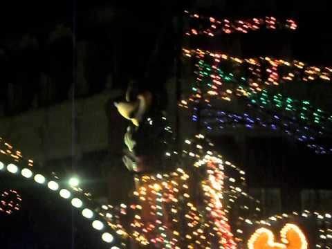 Mario Moreno Desfile W Disney World Mickey, Pluto y Minie