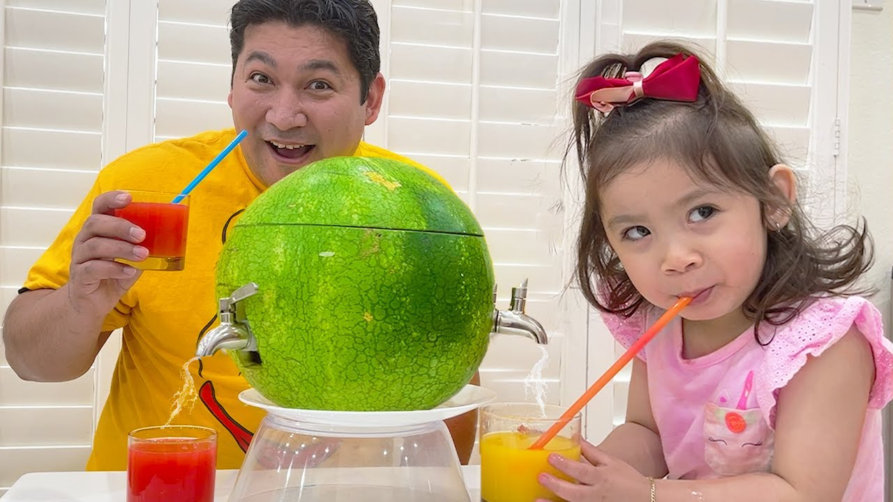 Maddie Pretend Play with Yummy Watermelon Juice Fruits & Vegetables Dispenser