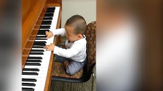 6 year old Child piano prodigy plays Carnegie Hall