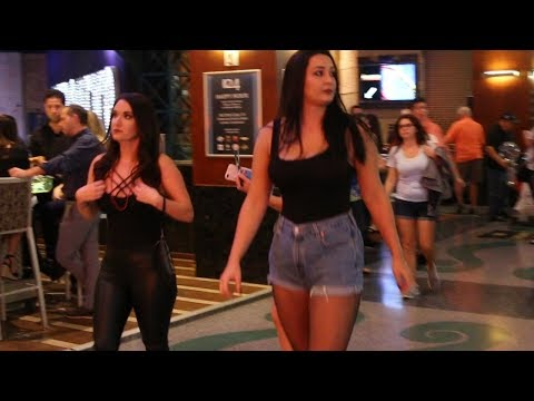 Bogota Colombia Nightlife Vs. Las Vegas U.S.A COMPARISON  ; BE THE JUDGE