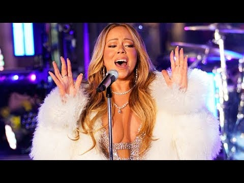10 Times Mariah Carey Sang LIVE In The COLD!