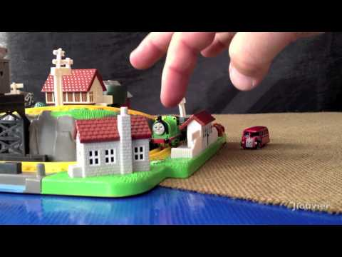 Thomas Bluebird Miniature Playset By ERTL – A Retro Thomas Product Review!