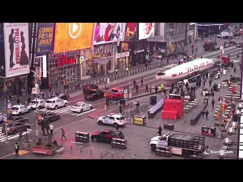 TWA Airplane In Times Square, Live On EarthCam