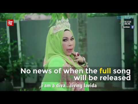 "Datuk Vida teases with ""I Am Me"""