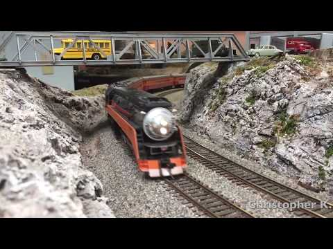 Southern Pacific's Noon Daylight - A Ride in HO Scale