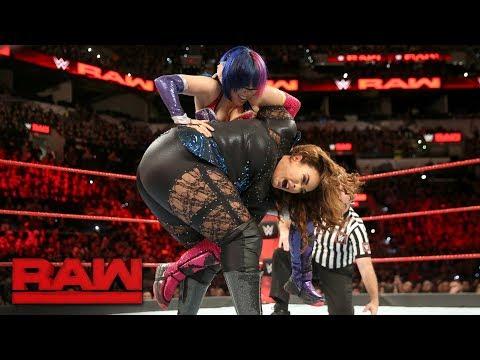 Asuka vs. Nia Jax: Raw, Jan. 15, 2018