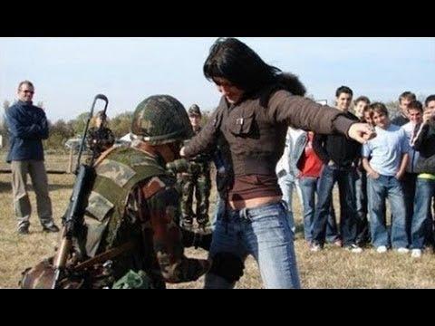 Dünyadaki En Aptal Askerlerin En Komik Halleri - Bu Askerlere Yaklaşmayın !!!