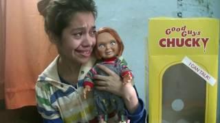 Fan llora al Recibir su  Muñeco Chucky en su cumpleaños