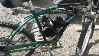 Vélo ( bicycle) à moteur à gaz.