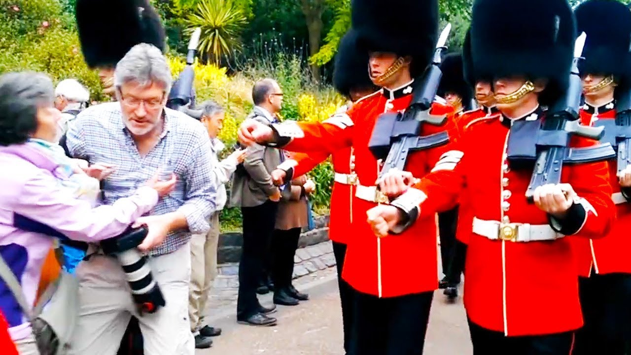 Ozzy Man Reviews: The Queen's Guard