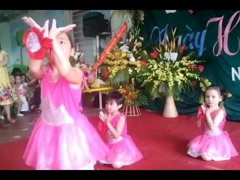 Bài múa khai giảng Mầm non Mùa Xuân 2012