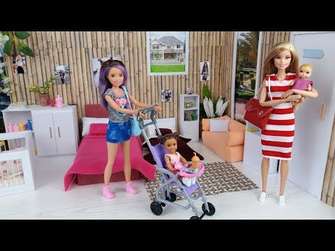 Barbie and Skipper babysitter with two babies morning routine