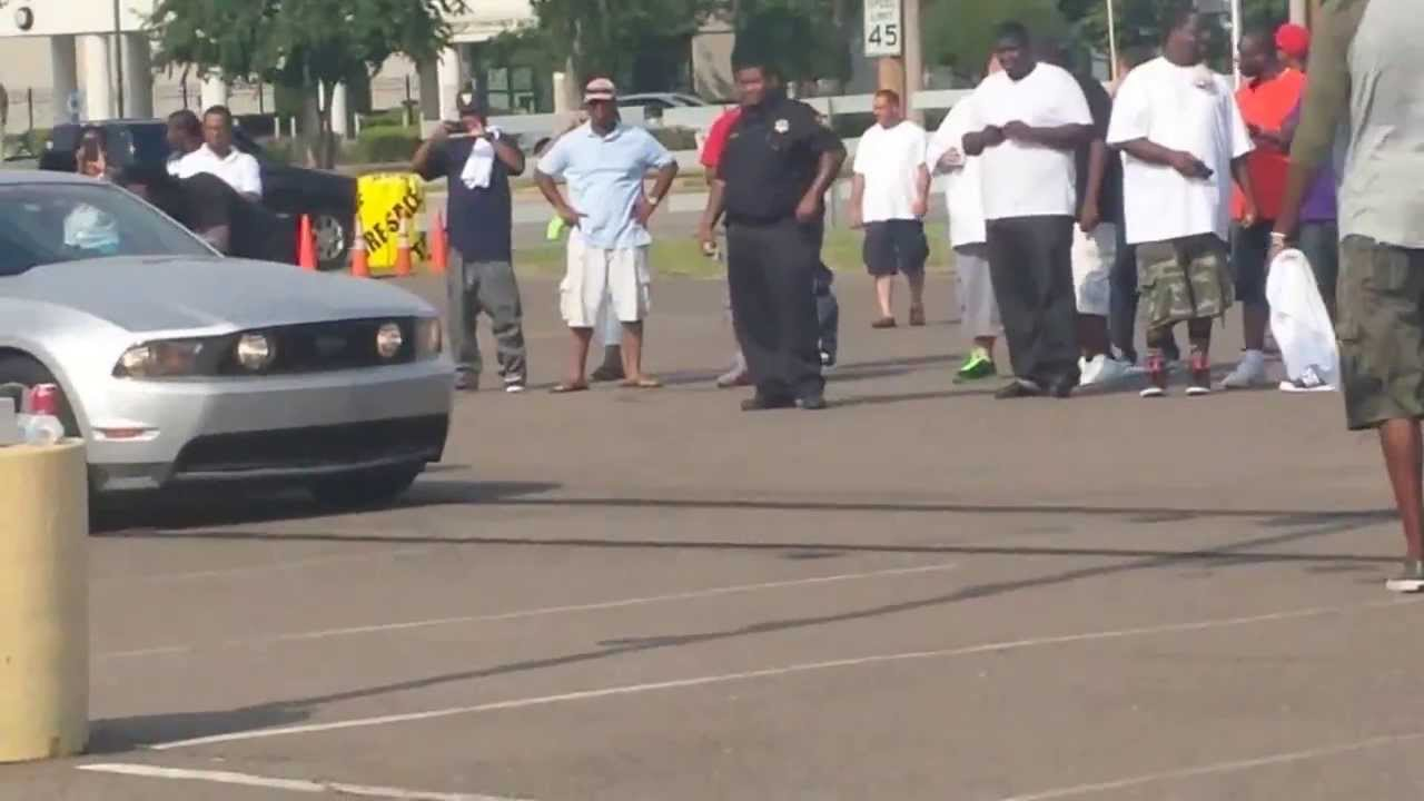 DJ XCENTRIC MUSTANG BURNOUT EXTREME WHEELZ TIREZ CAR - Mustangs of memphis car show