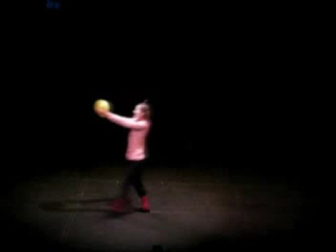 Mime Performance - Balloon