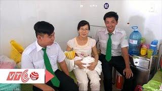 Em bé chào đời siêu nhanh trên xe taxi | VTC