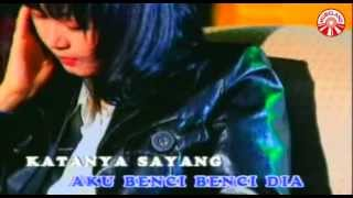 Download Annie Carera - Aku Benci [Official Music Video]